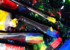 Pinsel mit Palette und Farbtuben_8